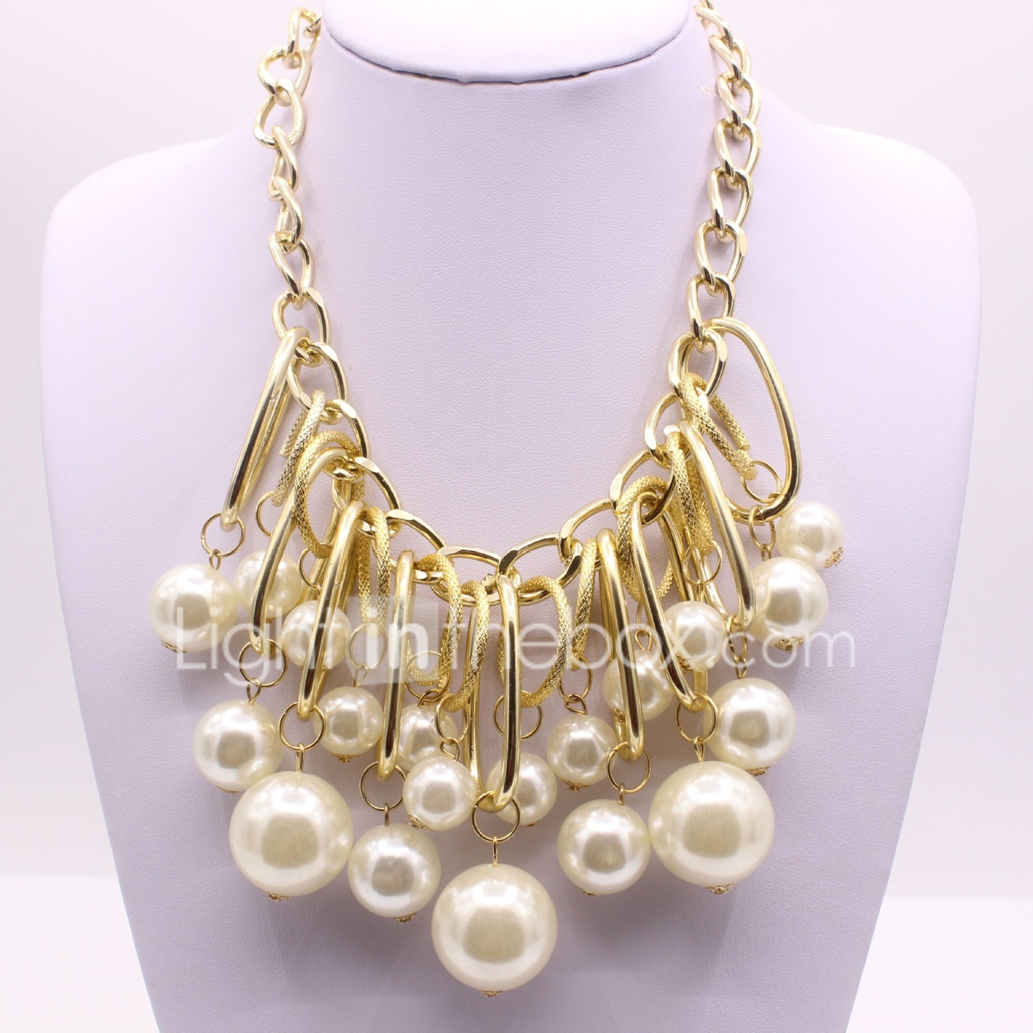 Women's Pendant Ladies Classic Fashion Imitation Pearl Alloy Gold Necklace  Jewelry For Engagement Ceremony