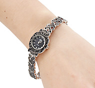 Недорогие -Жен. Модные часы Часы-браслет Японский Кварцевый Группа Винтаж Черный