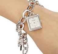 Frauen Einfache Rechteck Zifferblatt Legierung Band Quarz Analog Armband Uhr