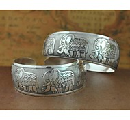1PCS Fashion Carved Silver Bracelet N0.4 Christmas Gifts
