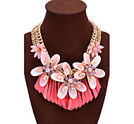 cheap -Women's Heart Imitation Diamond Statement Necklace - Luxury Bohemian Statement Heart White Red Green Necklace For Wedding Party