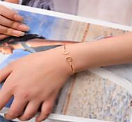 Недорогие -Жен. Браслет разомкнутое кольцо Бижутерия Мода Медь Круглый Золотой Черный Серебряный Бижутерия Для Для вечеринок Особые случаи 1шт