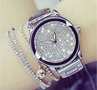 cheap -Women's Quartz Wrist Watch Japanese Casual Watch Stainless Steel Band Charm / Fashion Silver / Gold