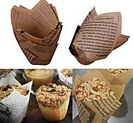 Недорогие -50 шт. Выпечки чашки торт бумажные стаканчики жиронепроницаемые вкладыши кексы кухонные шкафы плесень случайный цвет