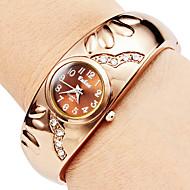 levne -Dámské Módní hodinky Náramkové hodinky Křemenný imitace Diamond Slitina Kapela Náramek Elegantní Brązowy