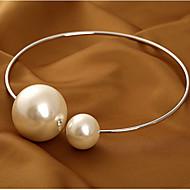 Naisten Choker-kaulakorut Helmikaulakoru Statement kaulakorut Circle Shape Helmi Metalliseos Yksinkertainen Muoti Morsius Ylisuuret