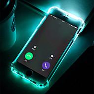 Недорогие Кейсы для iPhone 8 Plus-Кейс для Назначение Apple iPhone 8 / iPhone 7 Защита от удара / Мигающая LED подсветка / Прозрачный Кейс на заднюю панель Однотонный