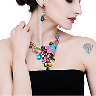 ieftine -Pentru femei Cristal Set bijuterii Diamante Artificiale Păun Dulce Include Cercei Picătură Lănțișor Albastru Închis / Curcubeu / Roz Pentru Nuntă Petrecere