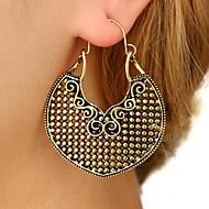 levne -Dámské Náušnice - Kruhy Náušnice Klasické Vintage Evropský Geleneksel Šperky Zlatá / Stříbrná Pro Denní Street Dovolená Práce 1 Pair