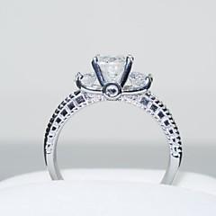 お買い得  指輪-女性用 合成ダイヤモンド クラスタ 指輪  -  ステンレス鋼, ジルコン, キュービックジルコニア クラウン, 幸福 ぜいたく, 結婚式 5 / 6 / 7 / 8 / 9 シルバー 用途 結婚式 パーティー 日常