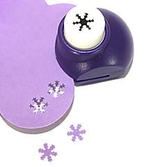 sacador herramienta de corte bricolaje patrón de copo de metal mini (color al azar)