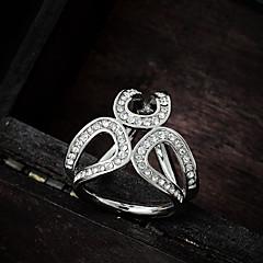 お買い得  ブローチ-女性用 ブローチ  -  イミテーションダイヤモンド ぜいたく, ファッション ブローチ シルバー / ゴールデン 用途 結婚式 / パーティー / 誕生日