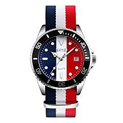preiswerte Tolle Angebote auf Uhren-SKMEI Herrn Armbanduhr Kalender / Wasserdicht / Armbanduhren für den Alltag Stoff Band Luxus / Freizeit / Modisch Weiß / Blau / Rot