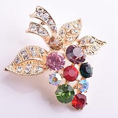 hesapli -Kadın's Broşlar Yapay Elmas Sentetik Pırlanta Klasik Moda Simüle Elmas alaşım Üzüm Mücevher Uyumluluk Günlük