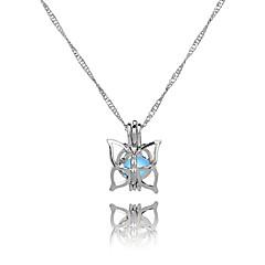 Недорогие Женские украшения-Жен. Бабочка Классика Этнический Милая Ожерелья с подвесками , Светящийся камень Сплав Ожерелья с подвесками ,