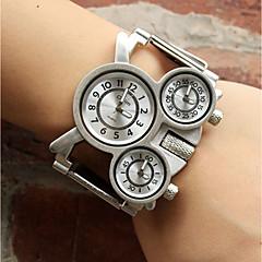 preiswerte Armbanduhren für Paare-Oulm Damen Paar Armbanduhren für den Alltag Sportuhr Modeuhr Japanisch Quartz Armbanduhren für den Alltag Legierung Band Analog Luxus Freizeit Silber - Weiß Schwarz