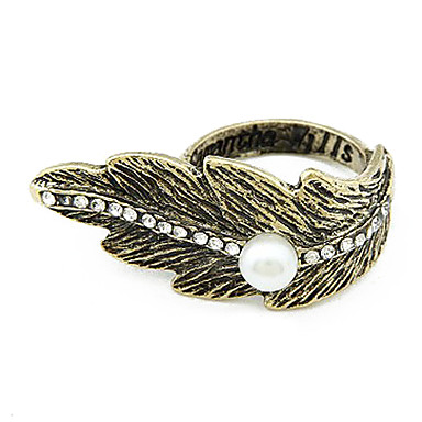 Perla y Crystal Ring Feathers