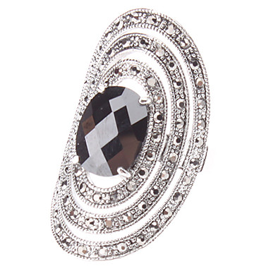 Los arcos del anillo de diamante en forma de