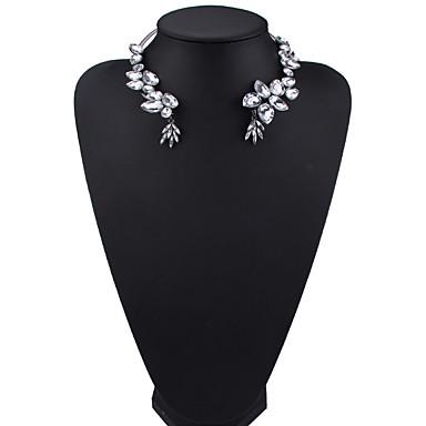Pentru femei Coliere Choker Bijuterii Bijuterii Pietre sintetice Aliaj La modă Euramerican Bijuterii Pentru Petrecere