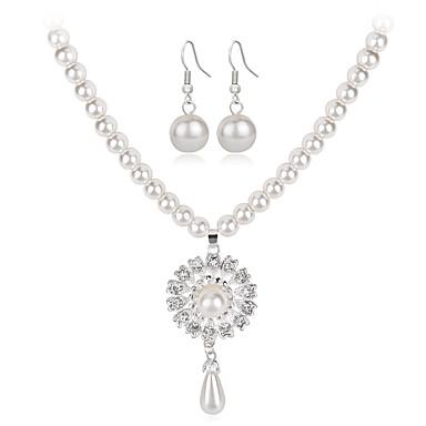 Pentru femei Seturi de bijuterii Lănțișor La modă Euramerican Perle Ștras Aliaj Flower Shape Geometric Shape Soare 1 Colier 1 Pereche de
