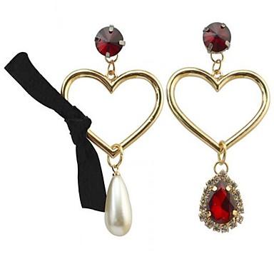 للمرأة أقراط قطرة لؤلؤ تقليدي موضة شخصية اسلوب لطيف سبيكة Heart Shape مجوهرات من أجل الغير يوميا فضفاض
