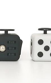 Rubiks terning Let Glidende Speedcube Stress og angst relief Kontor Skrivebord Legetøj Magiske terninger Terninger og jetoner Pædagogisk
