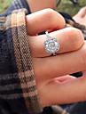Women\'s Luxury Square Diamonds Simulator Engagement Ring